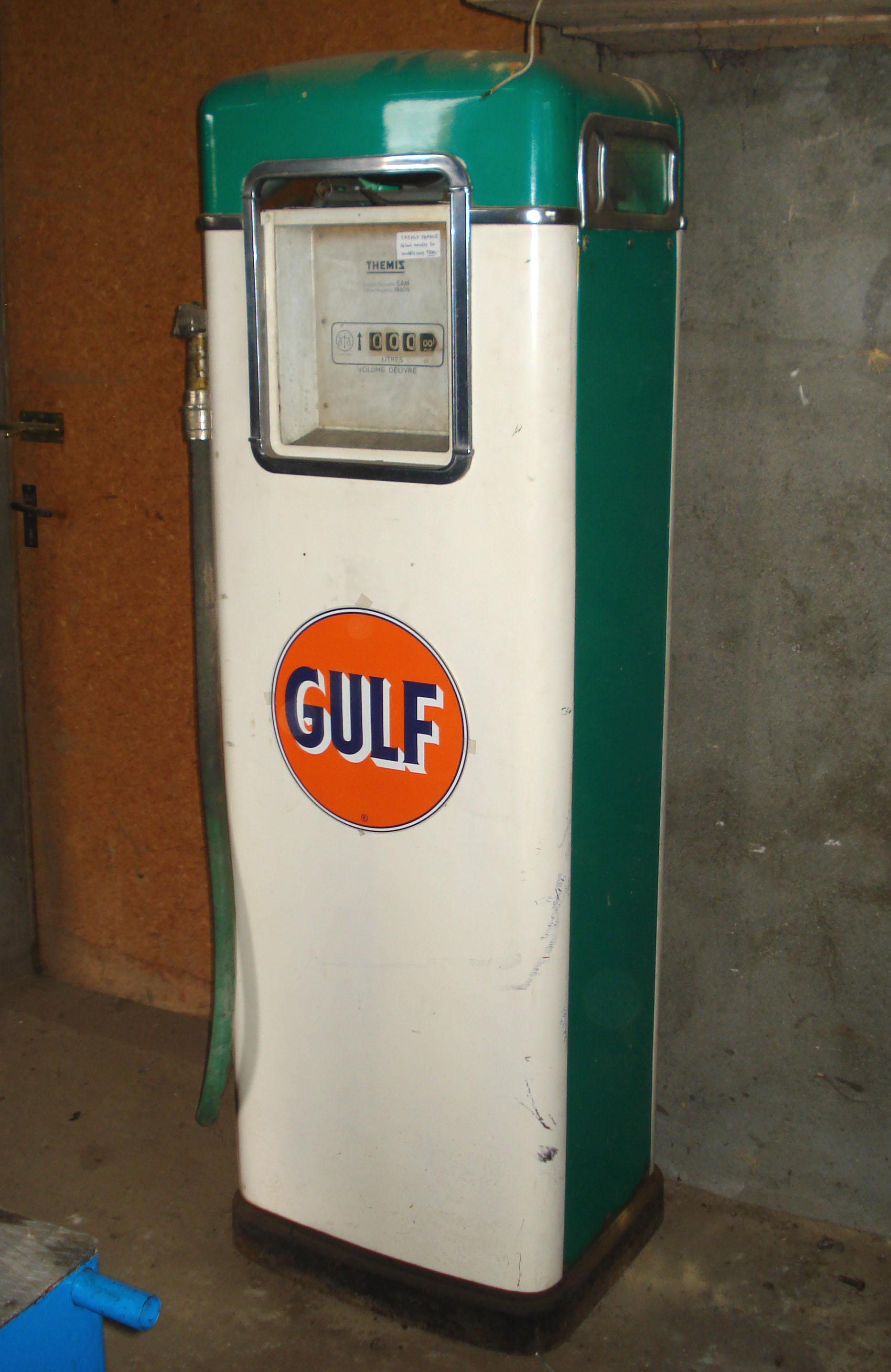 Pompes essence anciennes graisseurs bars huile - Pistolet a essence ...
