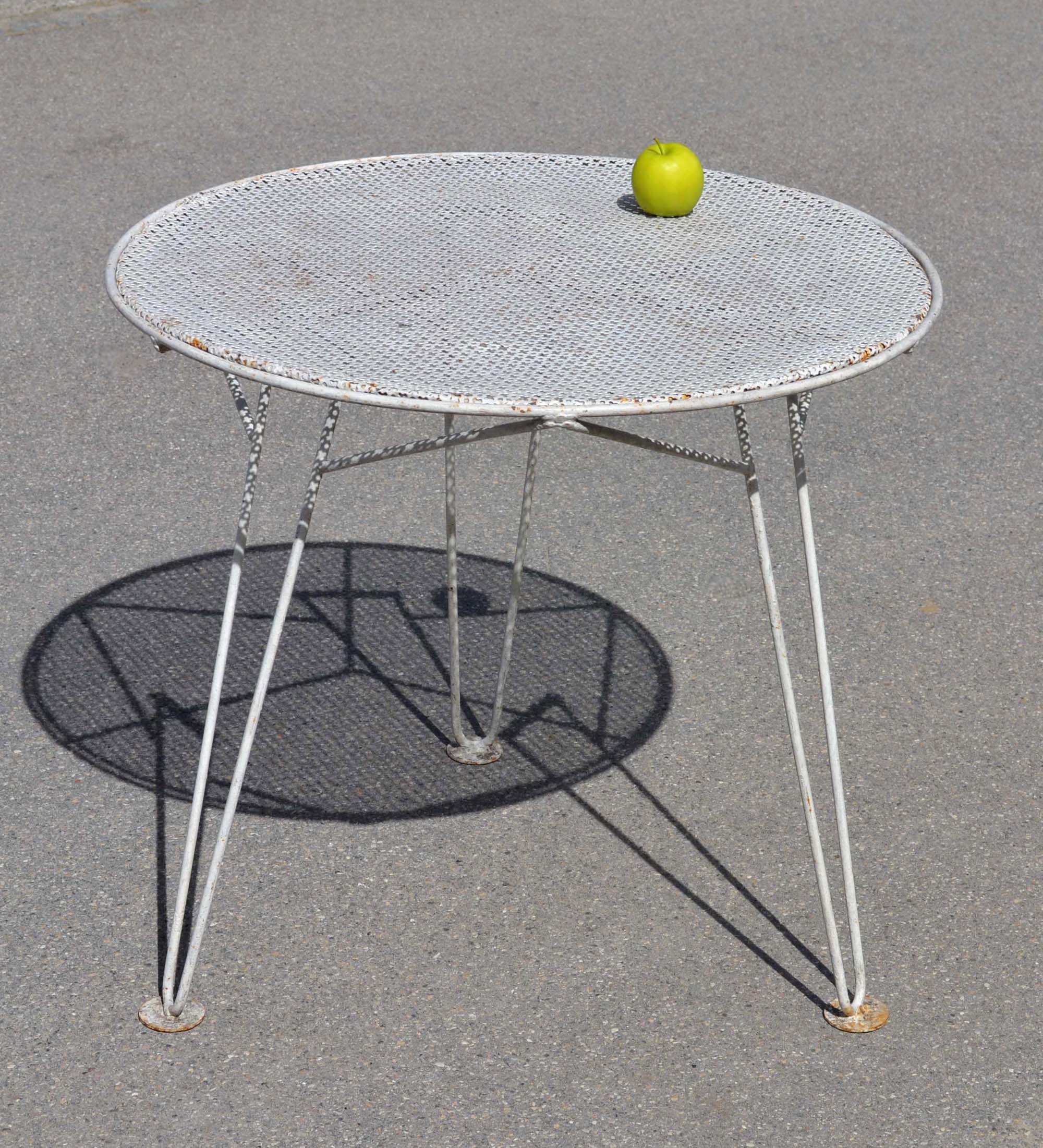 Mobilier de jardin vintage for Table basse retro design